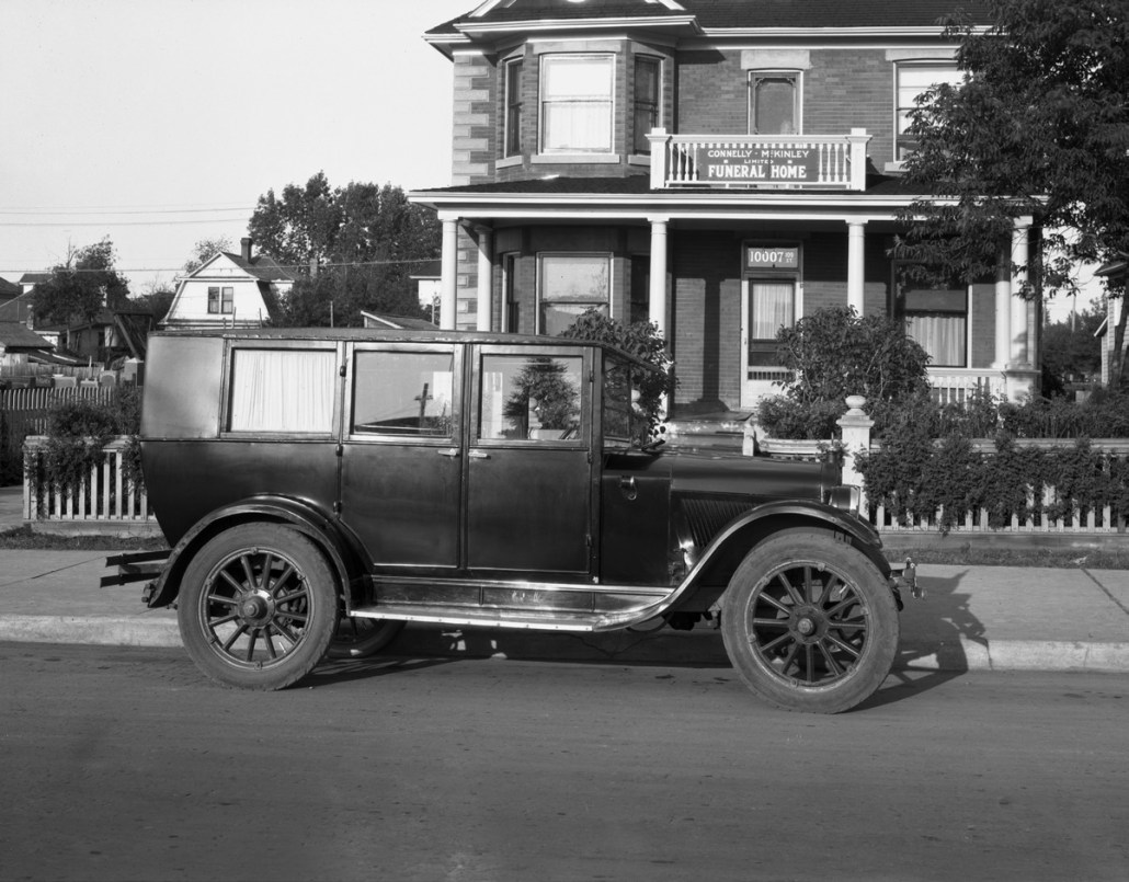 Ambulance, Connelly-McKinley Ltd., 1926. Image courtesy of the Glenbow Archives, ND-3-3287.